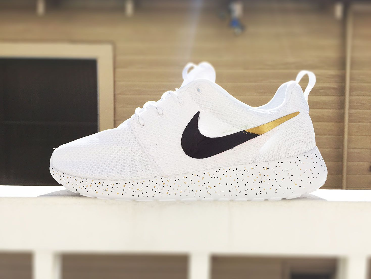 huge discount 9ccd0 6cd30 Custom Nike Roshe Run sneakers for women, All white, Black and Gold,  Silver, specles, gold flakes, love, fashionable design