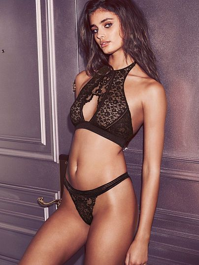 9206427d63177 Keyhole High-neck Bra Very Sexy