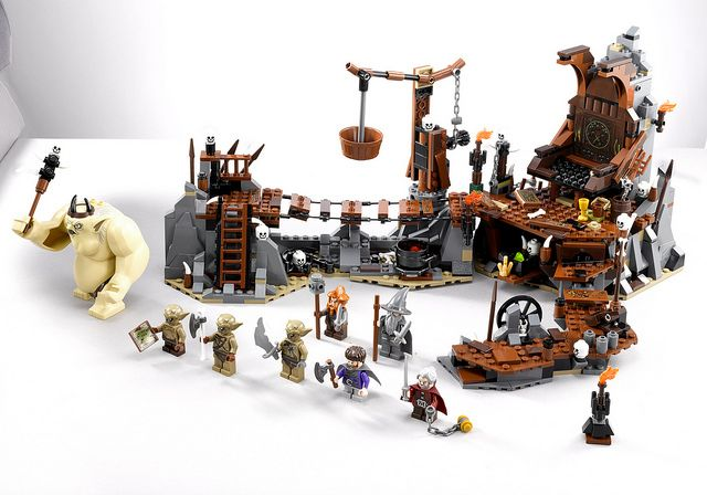 LEGO The Hobbit 79010 COMPLETE LOTR The Goblin King Battle