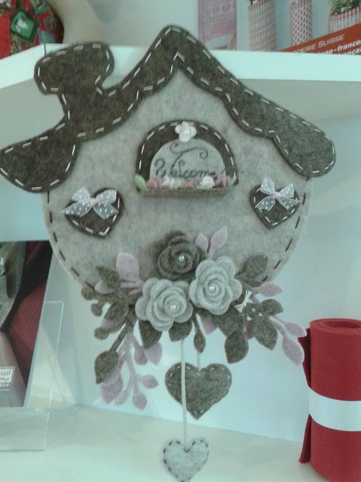 Casetta benvenuto artigianato in feltro ornamento di for Ornamenti casa