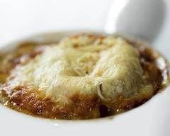 Soupe à l'oignon du Nord : http://www.cuisineaz.com/recettes/soupe-a-l-oignon-du-nord-12421.aspx