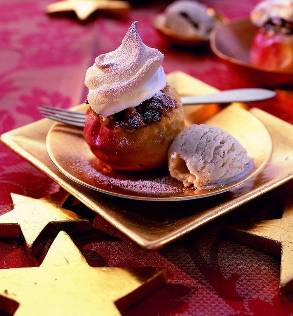 Bratapfel mit Schneehaube und Honigeis