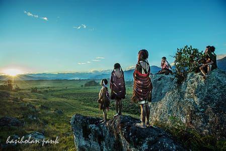 Enjoying Sunset, Dani's tribe