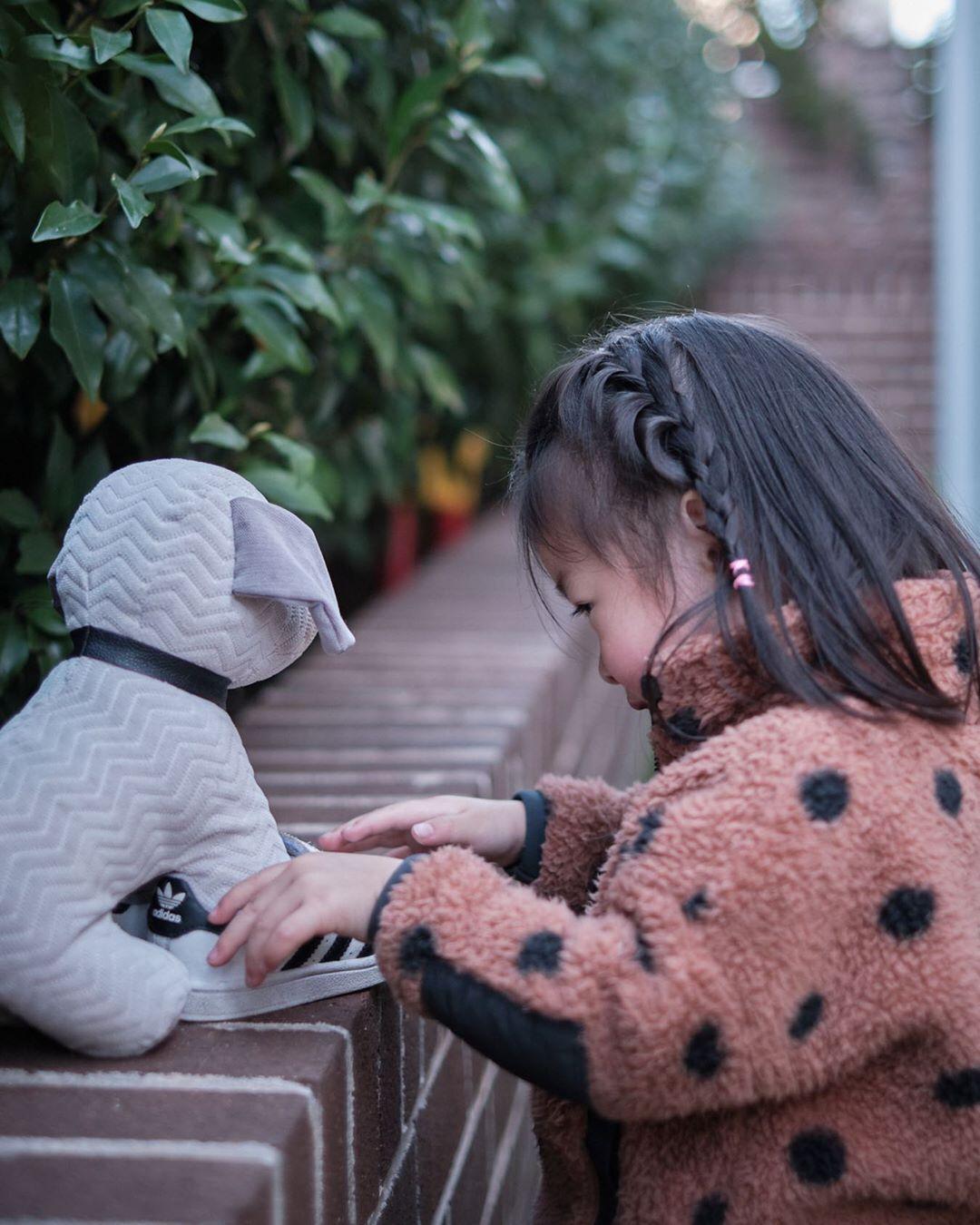 "The true sign of intelligence is not knowledge but IMAGINATION ."" Albert Einstein . . . . . . . . . #myfujilove #XT3 #fujinon #fujifilmxt3 #fujifilm #35mmf14 #fujifilm_global #fujixaus #fujifilmx_au #fujifilm_Xseries #fujifilm_id #kidsportraits #kidsphotoshoot #kidsphotography #familyday #kids #fuji_xseries #fujixlovers #fujifilmphotography #fujinon35mm #fujiphoto"