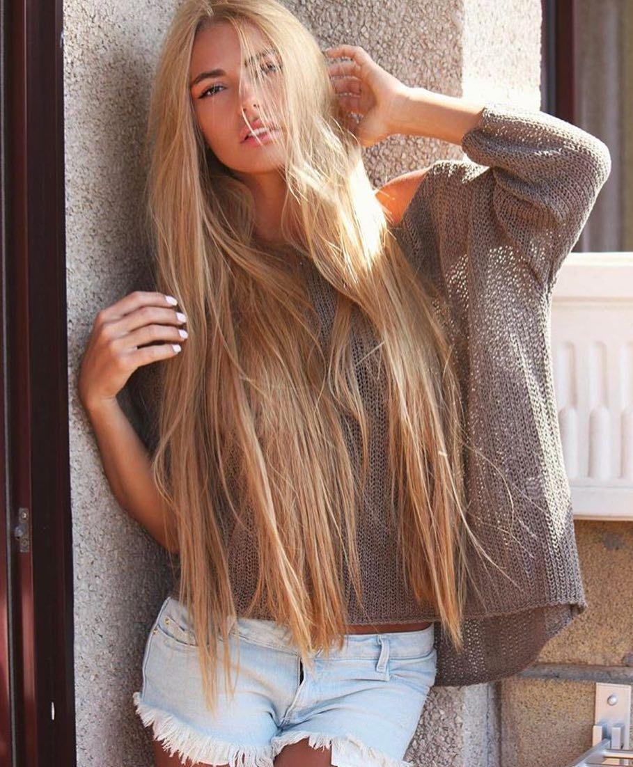 блондинка с очень длинными волосами видео любительское давать вике