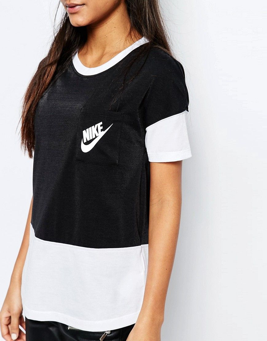 ff5f6215 Image 3 of Nike Small Logo Oversized Signal T-Shirt With Colour Block
