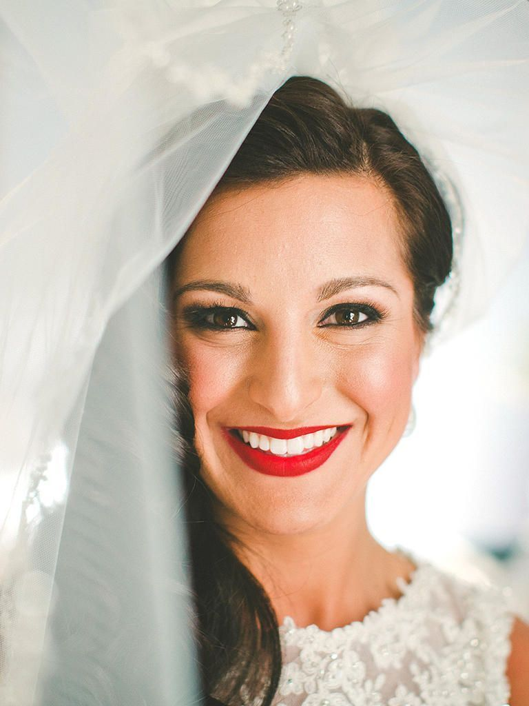 The best wedding makeup for brown eyes in romantic wedding