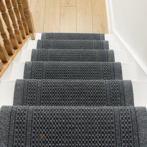 Best Aztec Grey Stair Runner In 2020 Grey Stair Carpet 400 x 300