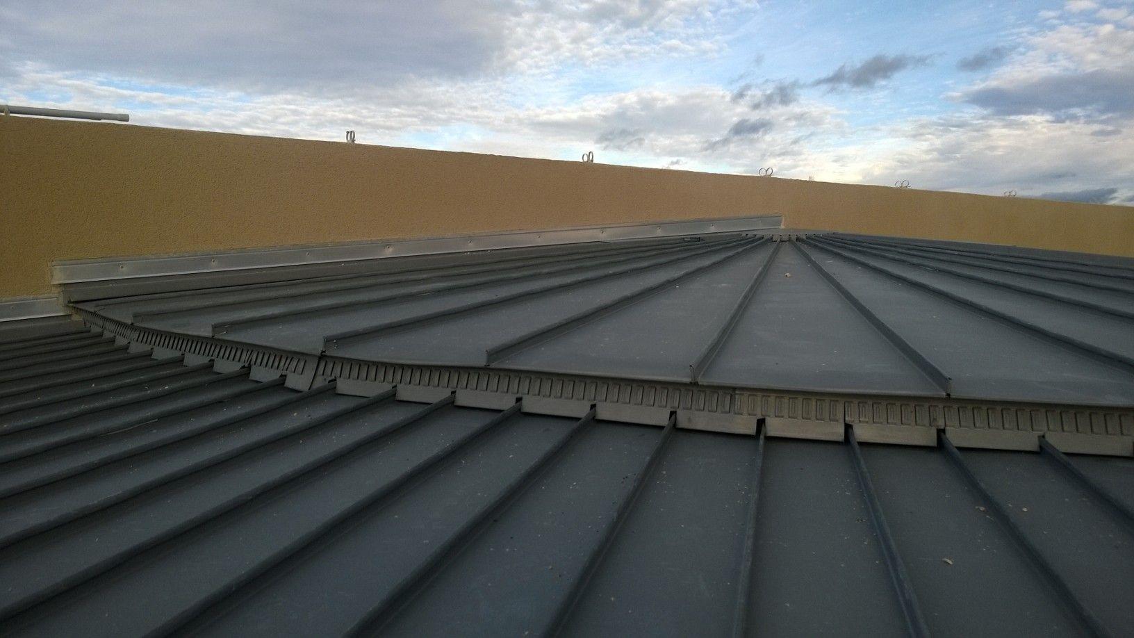 D tail couverture zinc joint debout c bazat 63 for Toiture zinc joint debout