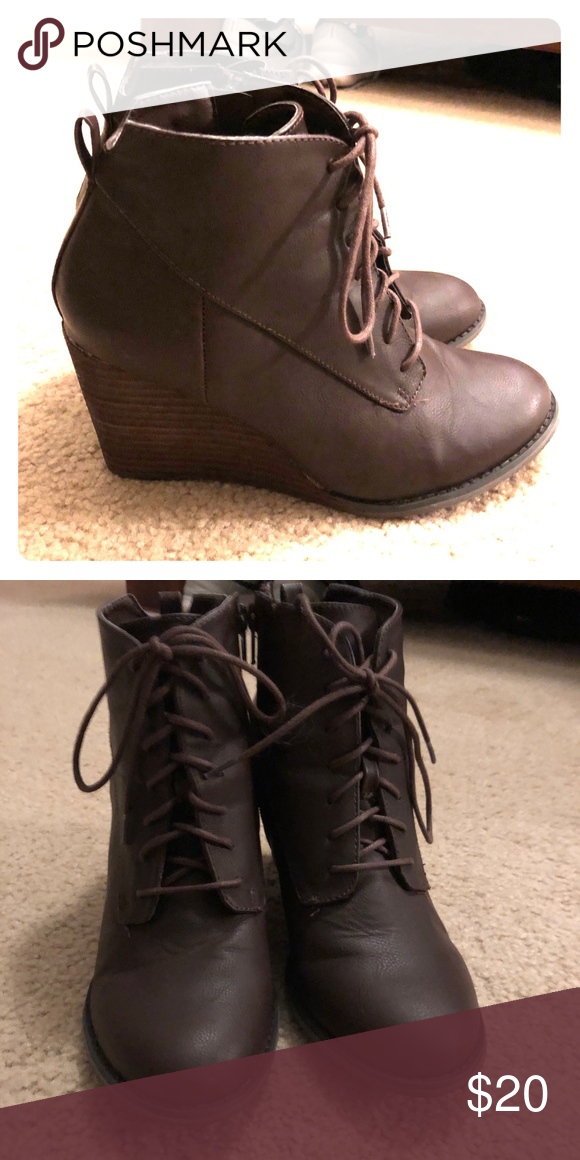 bde3f64e51585 Jelly pop brown lace up boots. Size 7.5 Dark brown lace up boots. Sweater  detail along top of boot. Size 7.5. Only worn once. Jellypop Shoes Combat &  Moto ...
