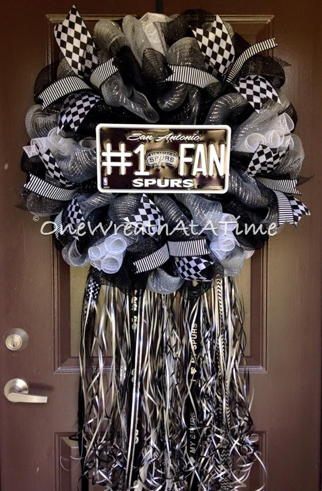 SPURS Wreath ONE WREATH AT A TIME