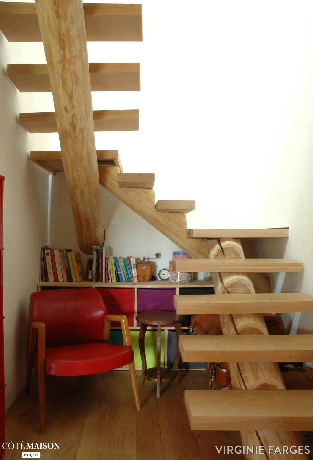 Petits Escaliers En Bois Avec Forme Originale.