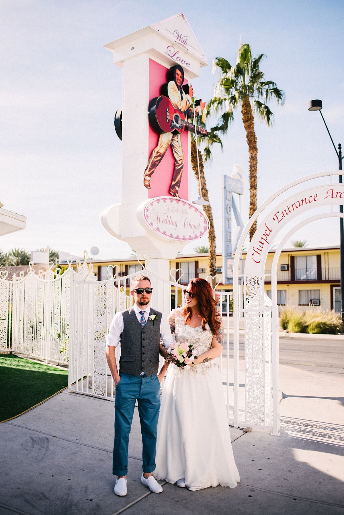 Lil Wedding Chapel.Badass Las Vegas Elopement At A Little White Wedding Chapel Cool