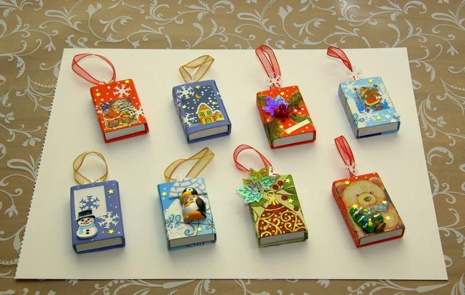 Caixinhas de fósforos que podem enfeitar a árvore de Natal ou servir como brinde...