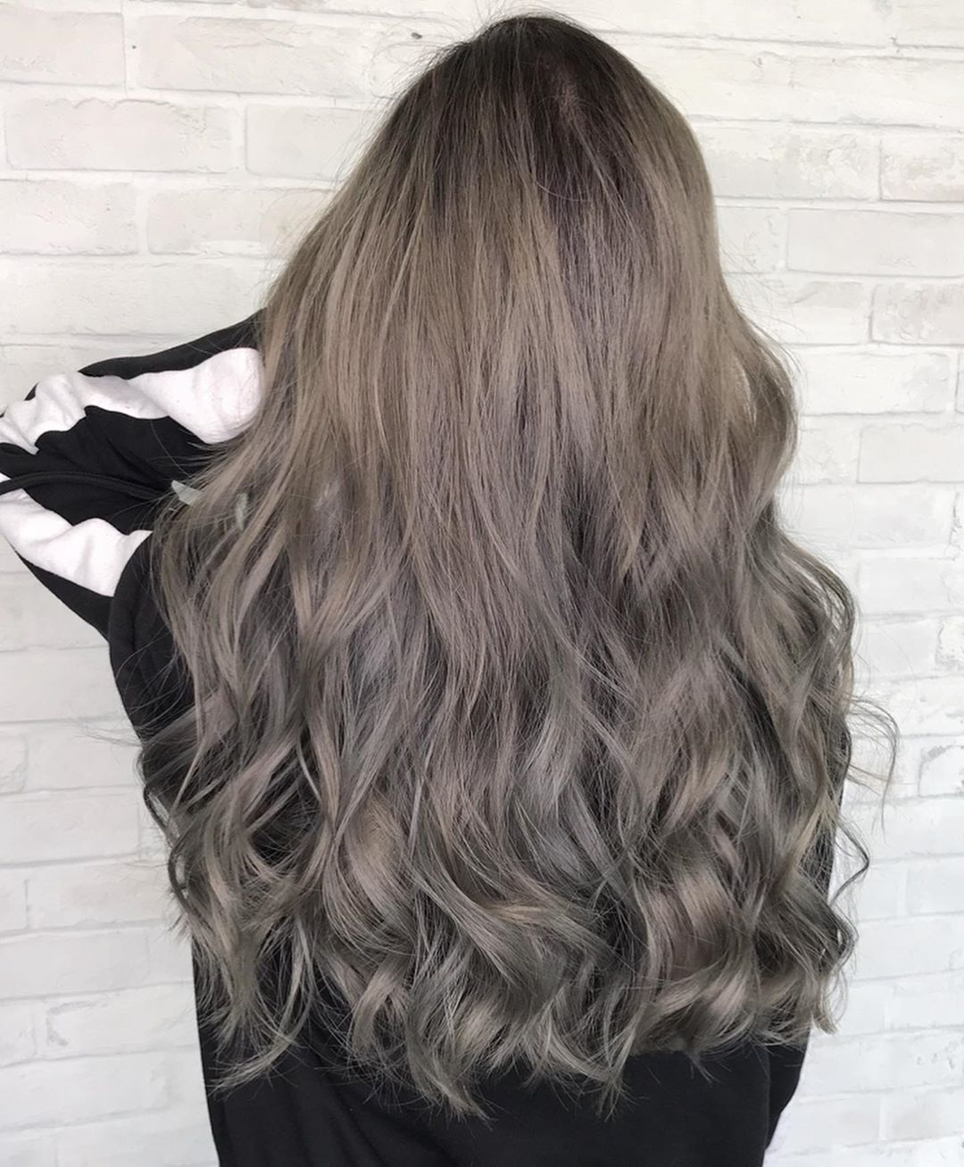 This Grey Is Edgy Yet Timeless Don T You Think Stylist Number76 Jeffee Number76 Publika Ash Hair Color Edgy Hair Color Hair Colour Design