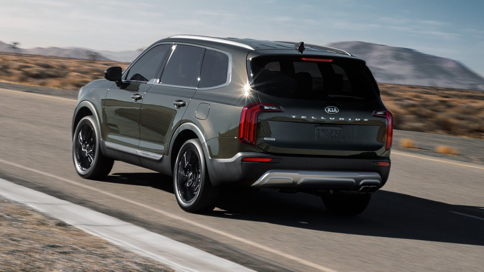 The 2020 Kia Telluride Is A Handsome Three Row Suv With New Tech Automobile Magazine Luxury Suv Best Midsize Suv Suv
