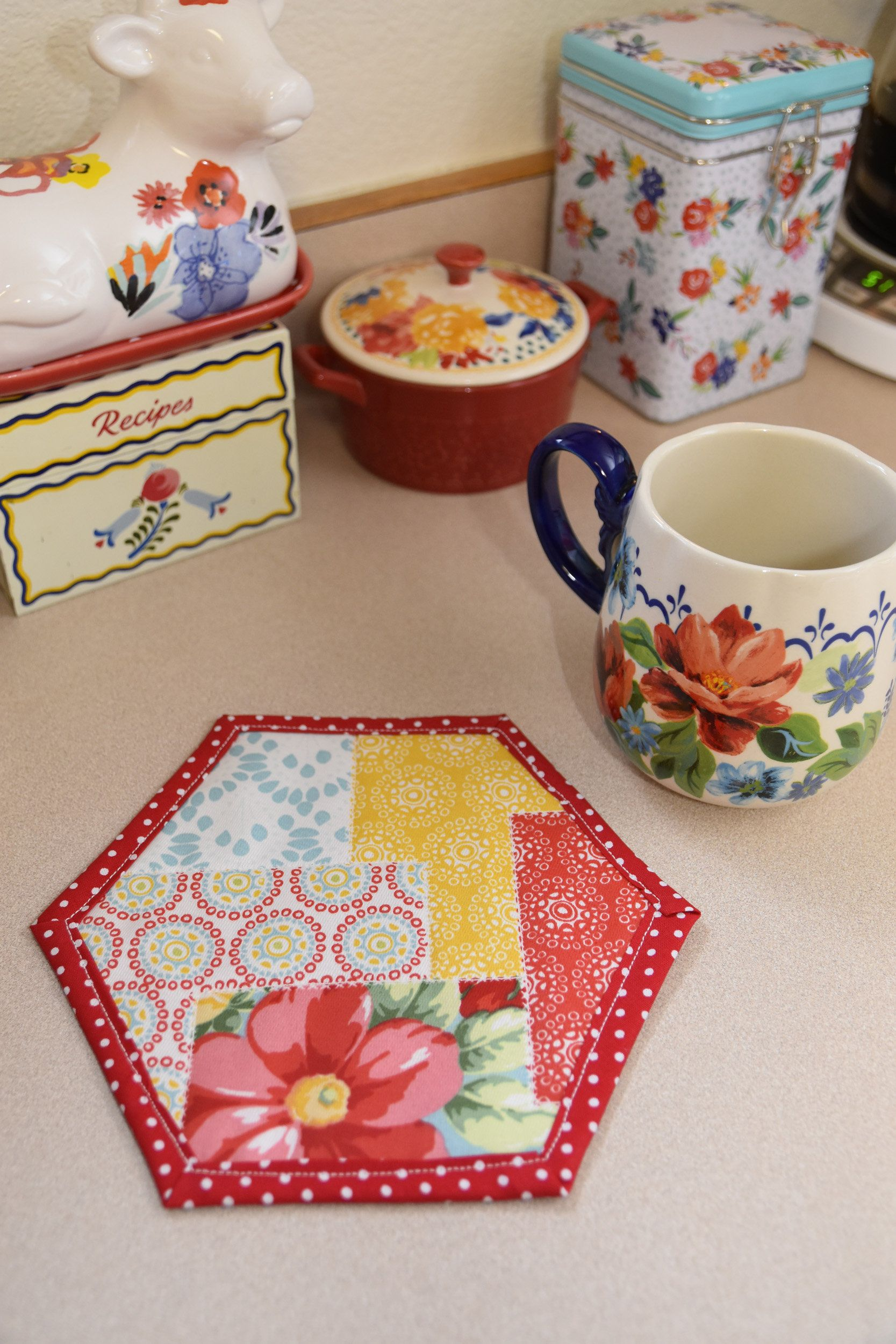 Pioneer Woman Kitchen Decor Quilted Mug Rugs Farmhouse Decor Country Decor Vintage Kitchen Country Kitchen Farmhouse Kitchen Vintage Floral With Images Pioneer Woman Kitchen Shabby Chic Kitchen Decor Pioneer Woman Kitchen Decor