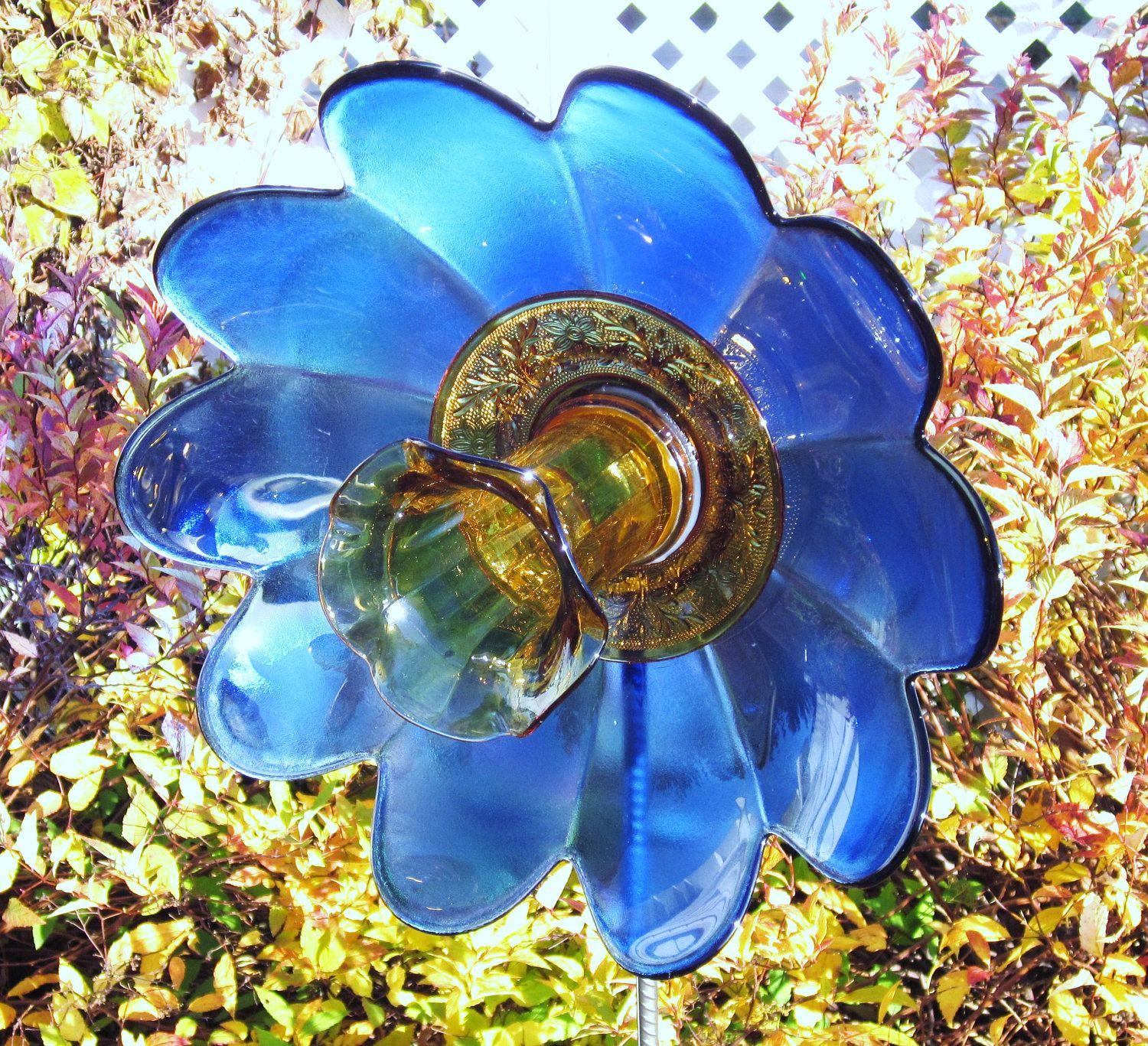 Garden art with old dishes garden art flower outdoor for Recycled glass flowers