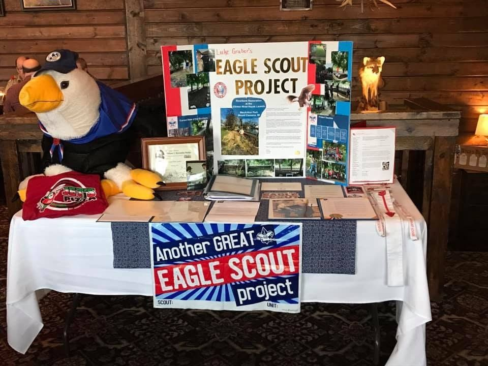 A proud Eagle Scout from Minnesota turns in his badge ... |Eagle Scout Politicians