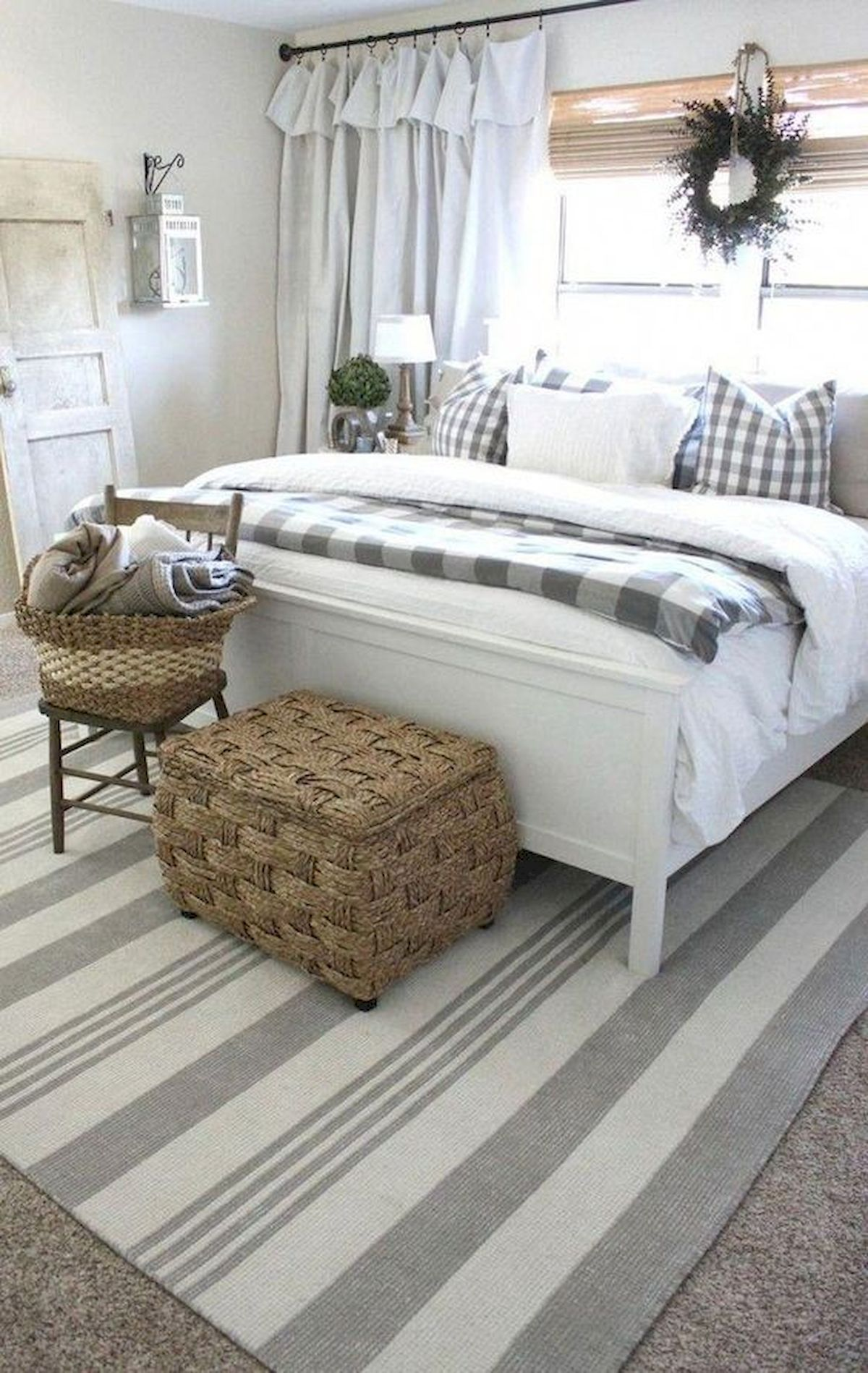 37 Fabulous Rustic Farmhouse Bedroom Decor Ideas #farmhousedecor