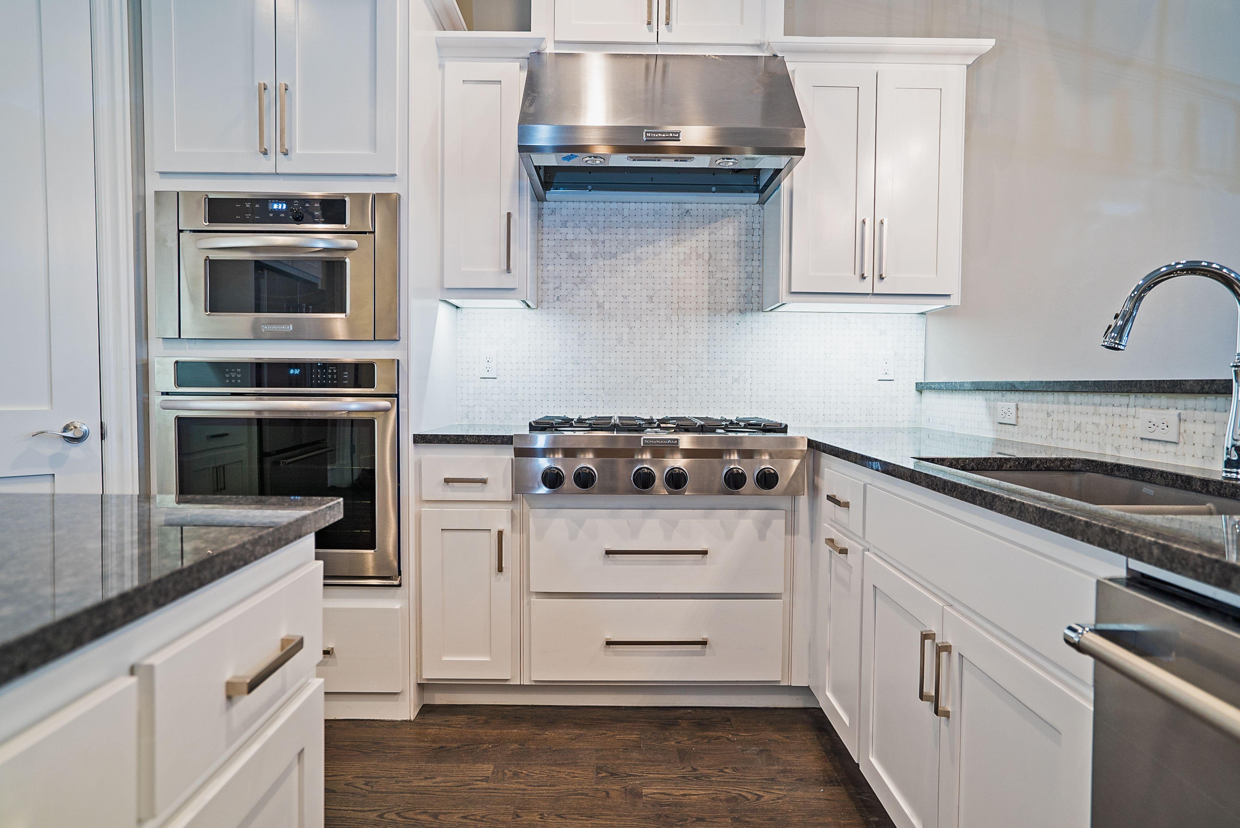 Clean Lines Offer An Understated Elegance In This White Kitchen Bella Vici Designs Kitchen Design Interior Design Work Kitchen