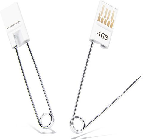 USB Flash Drive combined with a safety Pin