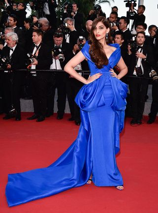 La montée des marches du jour 4 à Cannes | Vogue