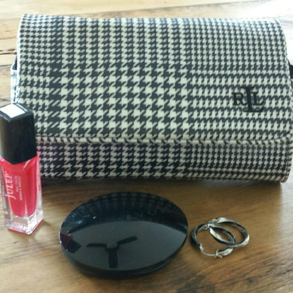 Ralph Lauren clutch cosmetic bag Hounds tooth pattern cosmetic bag with  mirror. Very clean inside and out. Ralph Lauren Bags Cosmetic Bags   Cases 045bde231cd3d