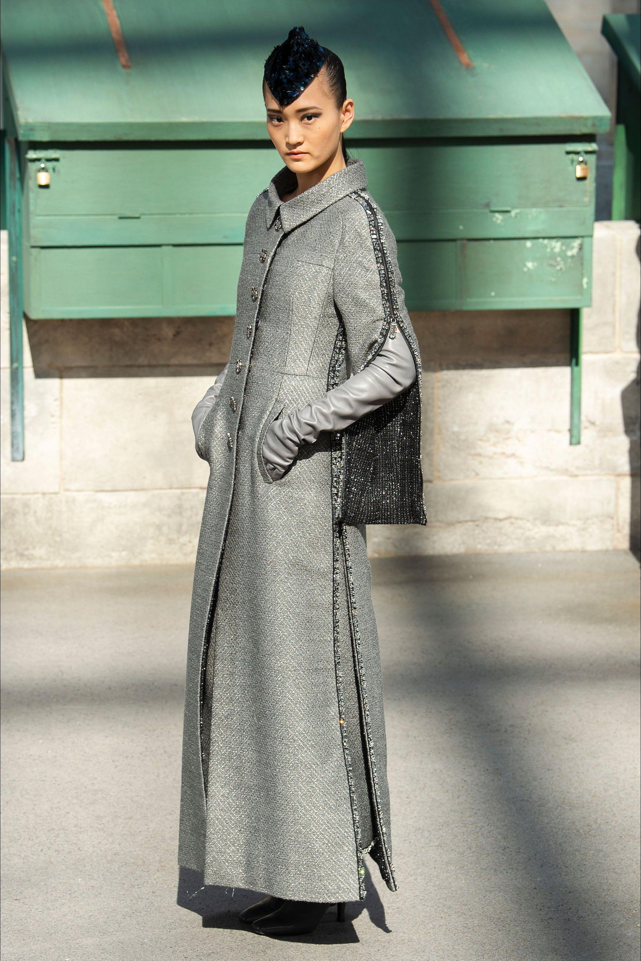 Sfilata Chanel Parigi - Alta Moda Autunno-Inverno 2018-19 - Vogue ... fe04226e38d