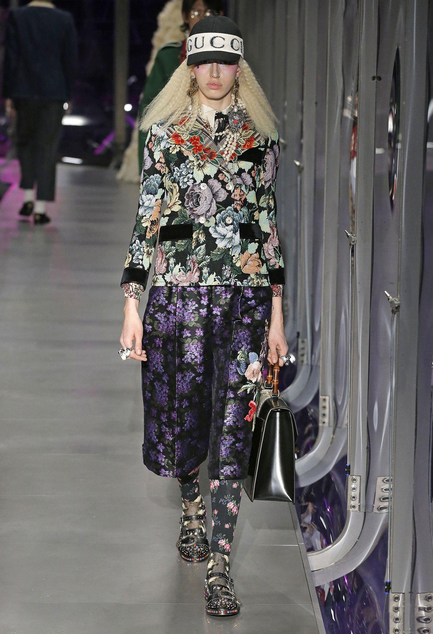 Gucci olha para passados remotos como o antigo Egito em seu inverno 2018 - Vogue   Desfiles