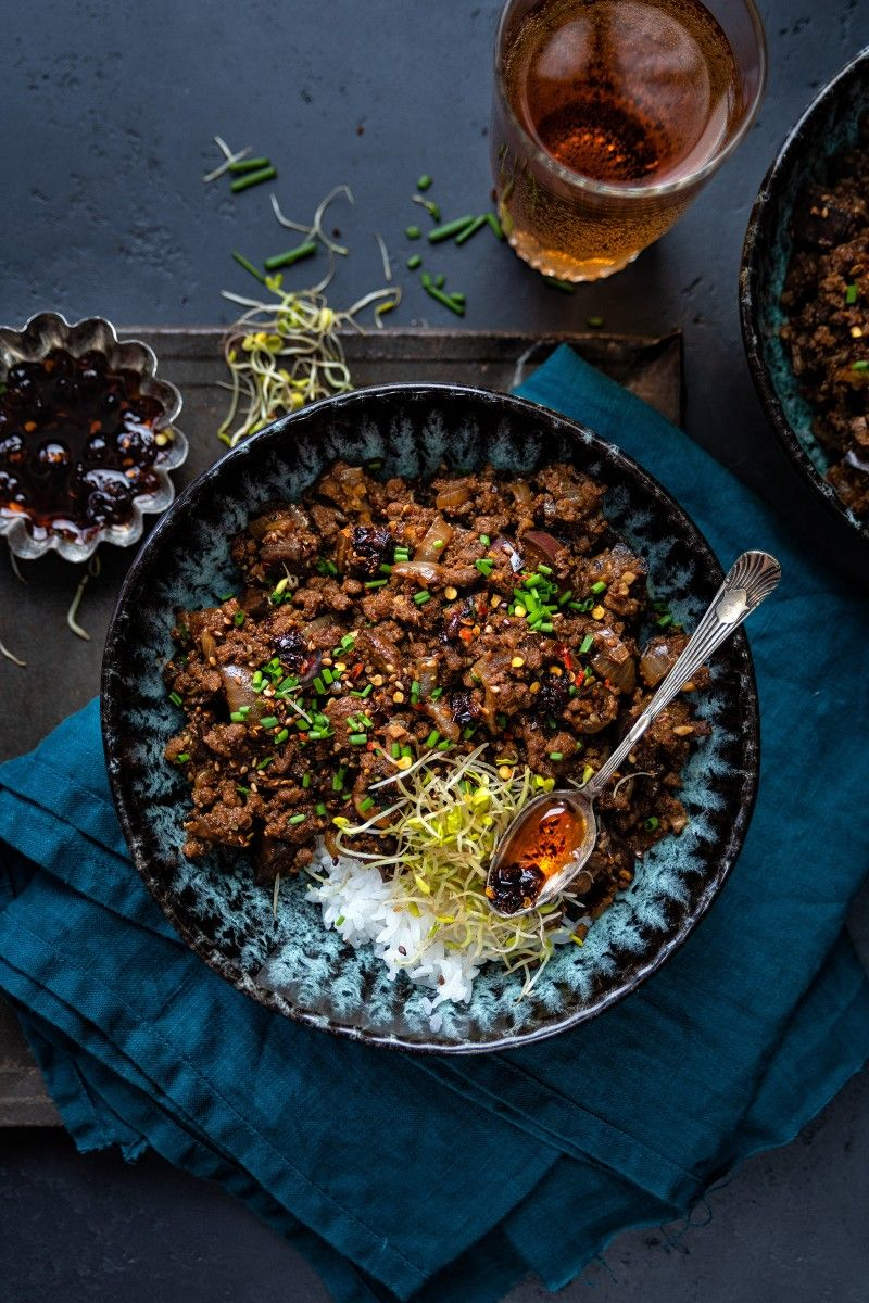 This Spicy Beef Mince Stir Fry With Eggplant And Mushrooms Is Perfect For A Quick Meal Serve With Rice Noo Spicy Beef Spicy Beef Stir Fry Minced Beef Recipes
