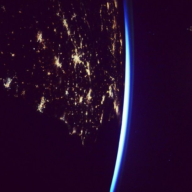 #GoodMorning #USA! Happy #Saturday from @ISS! #sunrise #space #EastCoast #iss #spacestation