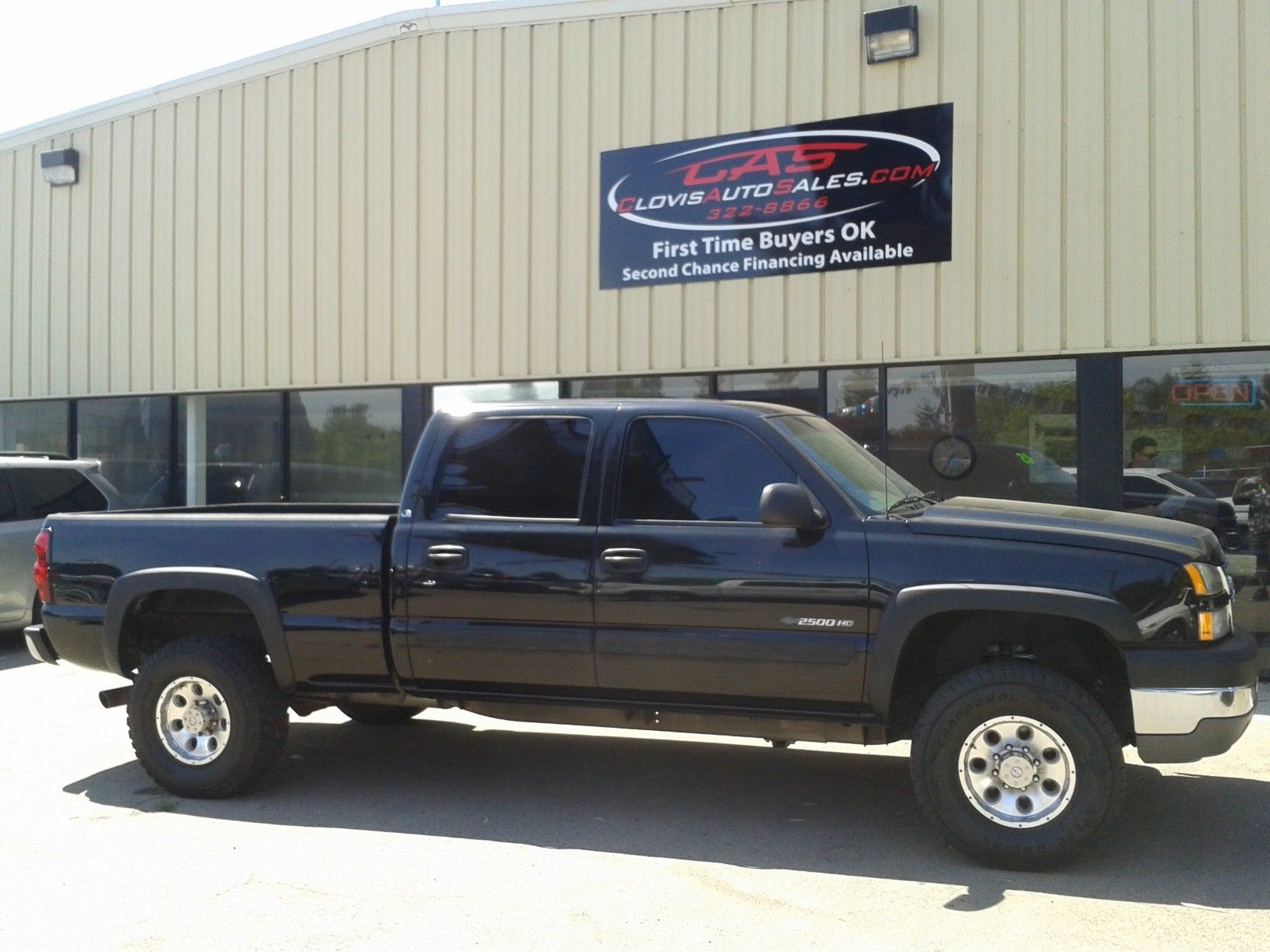 medium resolution of  16 995 2005 chevy silverado 2500hd 4x4 touch screen cd player auxilary hook up 4 inch