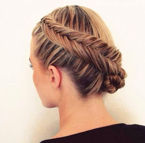 Tresse épi a l'envers hair Braided hairstyles updo