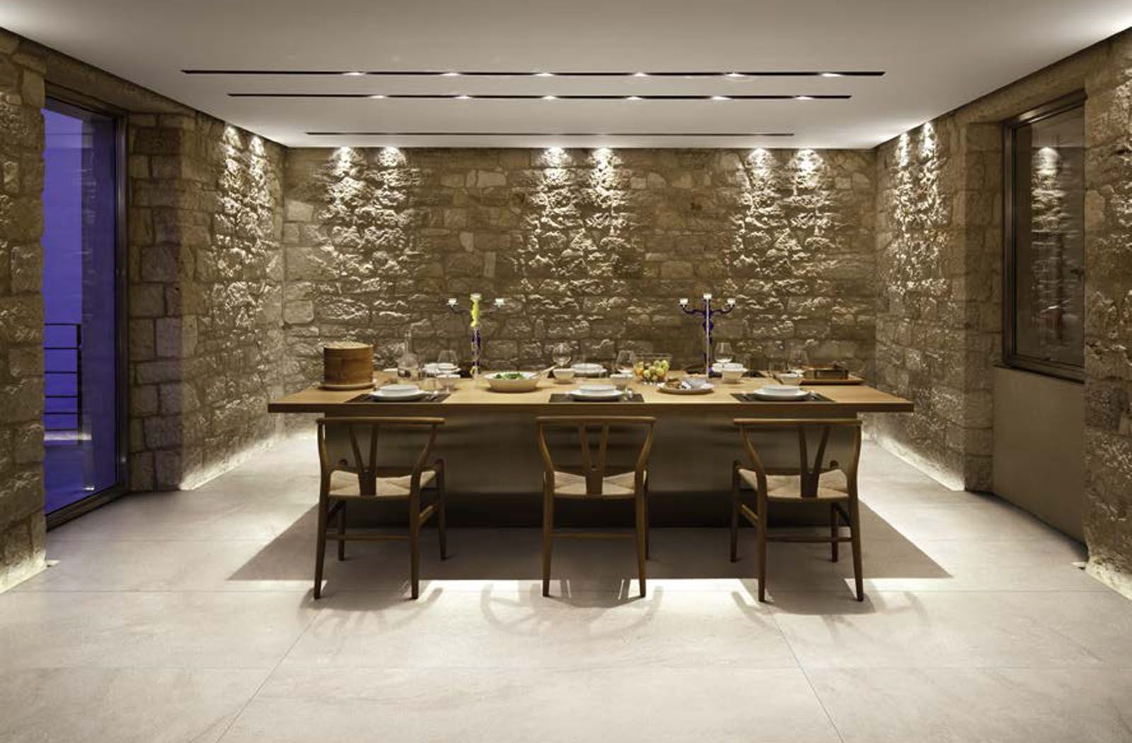 Traditional dining room decor with Styletech tiles from Florim