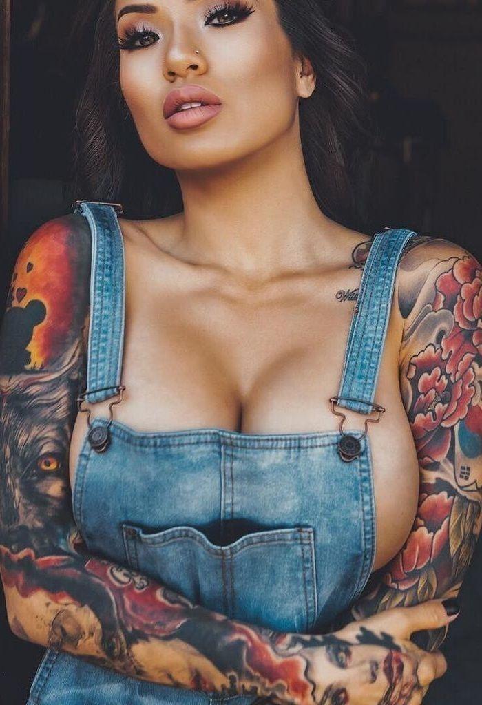 tatuajes erótico pequeña mama en pamplona