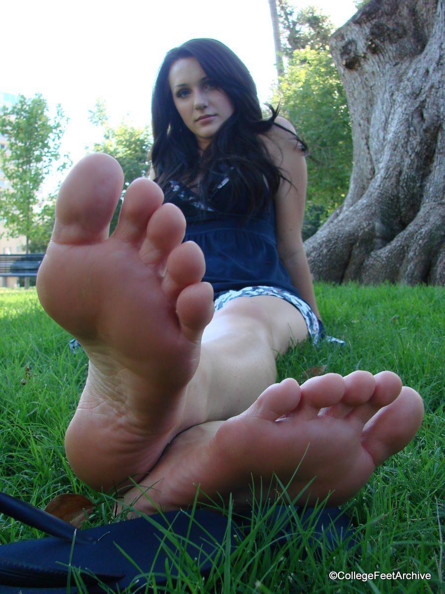 Milf feet with pink polish