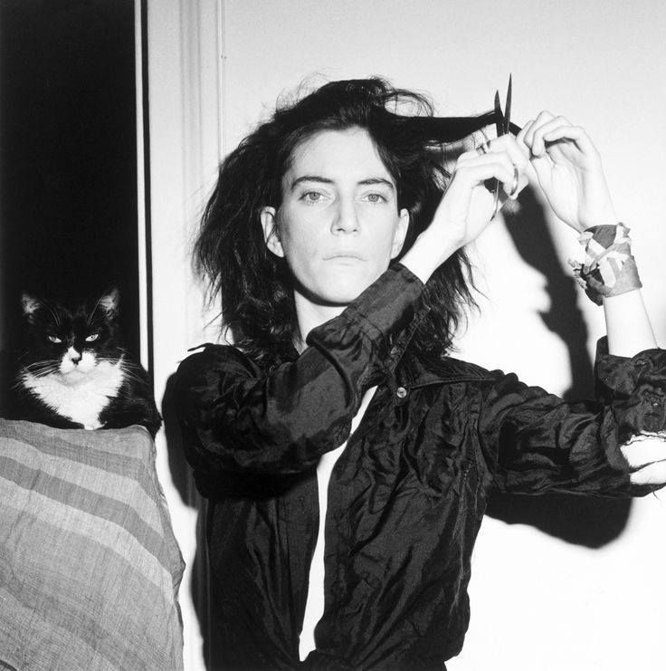 PATTI SMITH BY ROBERT MAPPLETHORPE. #pattismith #robertmapplethorpe #blackandwhitephotography