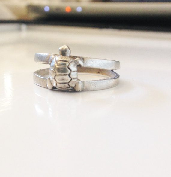 Vintage Turtle Ring Sterling Split Ring Boho Chic Ring Silver Turtle Ring Size 9 Womens Ring Ladies Turtle Ring Retro Turtle Ring Size 9