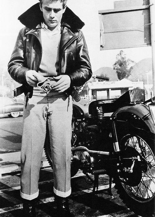 d8de86cc8 James Dean and his Triumph motorcycle | motorcycles | James dean ...