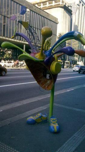 Happy Phonebooth : Um pouquinho de alegria em forma de orelhão no meio de uma das maiores cidades do mundo. | amigosarcastico