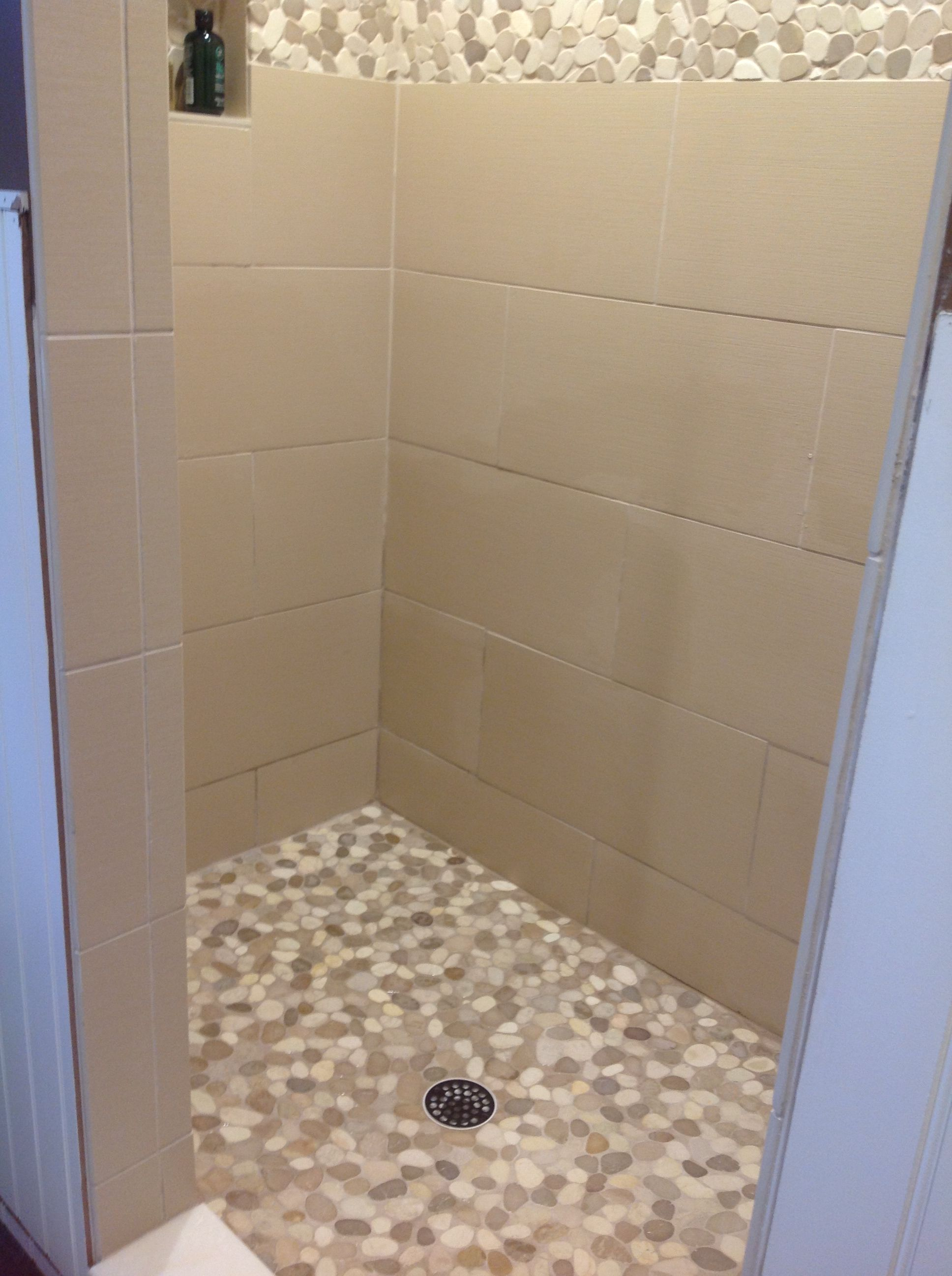 Sliced java tan and white pebble tile pebble tile shower white bathroom laundry sliced tan and white pebble tile shower flooring dailygadgetfo Choice Image