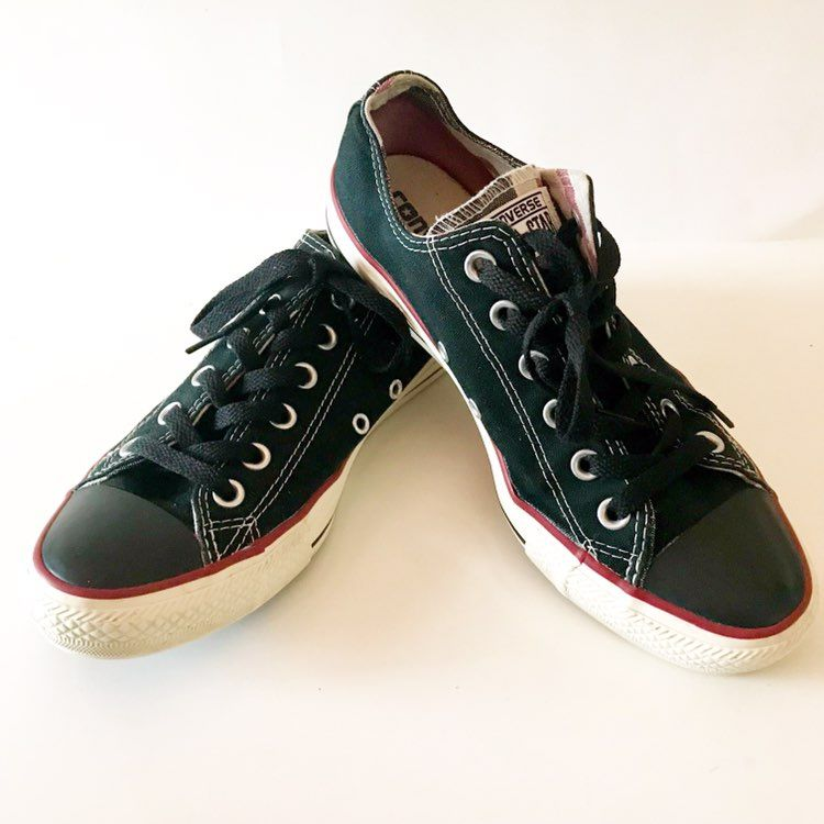 black converse with red stripe