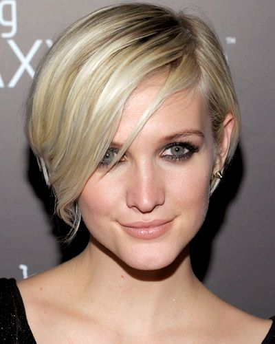 Ashlee Simpson If You Prefer A Low Key Hair Routine Consider A Cut