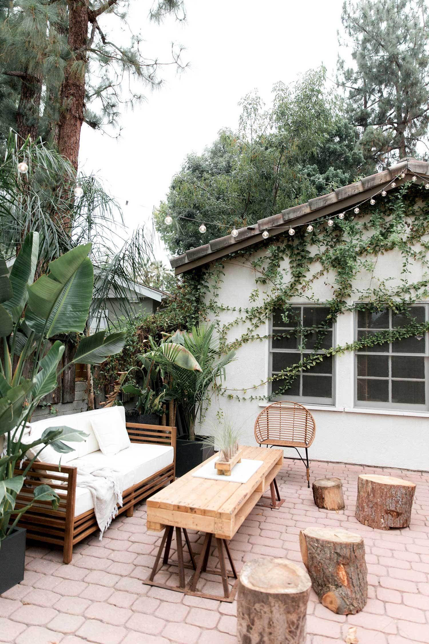 Great Outdoor Es Patio Porch Ideas Brick String Lights Bohemian California Style Living Room