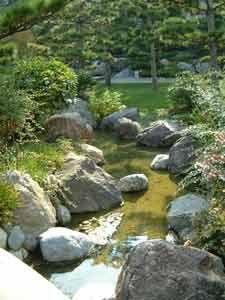 Ruisseau du jardin japonais de monaco id e bassin jardin zen japonais jardins et creation - Bassin jardin japonais ...