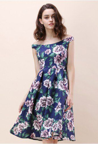 Days With Peonies Embossed Dress in Navy