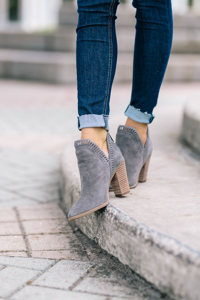 Nordstrom Sale Fall Outfit Inspiration #fallshoes