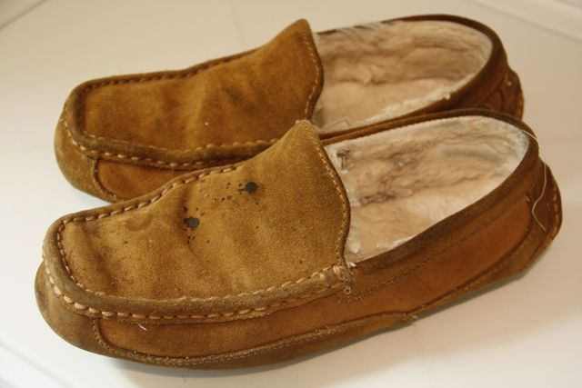 Can You Wash Suede Shoes With Soap And Water How To Clean Suede And Sheepskin Slippers Sheepskin Slippers How To Clean Suede Clean Suede Shoes