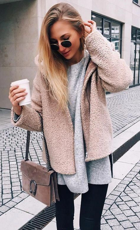Teddy bear jacket coat + gray sweater + crossbody bags + black legging pants. Fall winter fashion outfits casual chic edgy. Autumn ootd ideas edgy cla…